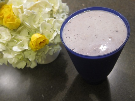 Blueberry Crumble Protein Smoothie